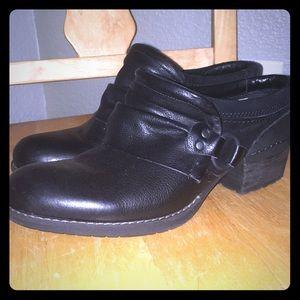 Merrell slip on heeled shoes